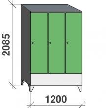 Vaatekaappi 3:lla ovella 2085x1200x545 lyhytovinen,väliseinällä, viistokatolla